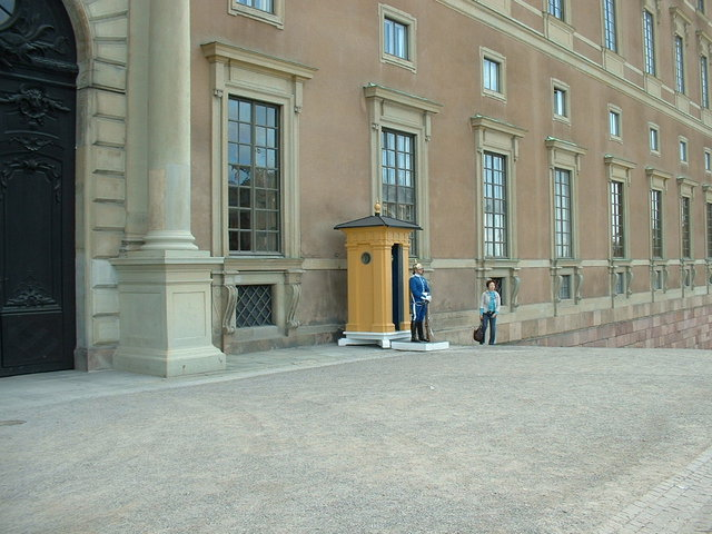 Female guard outside place - Stockholm