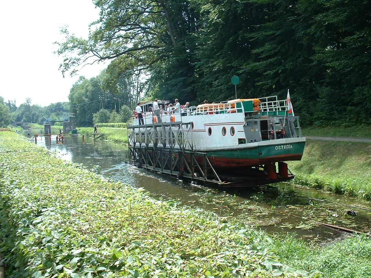 Eblag - Ostrada Canal boat slipway   No6